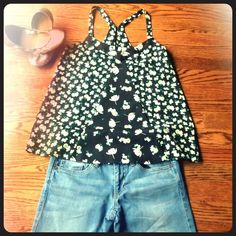 LC Lauren Conrad Racer Back Top XS LC Lauren Conrad Racer Back Top XS. Excellent Like New Condition! Such a flattering style! Racer back with two buttons. Make an Offer! LC Lauren Conrad Tops Tank Tops