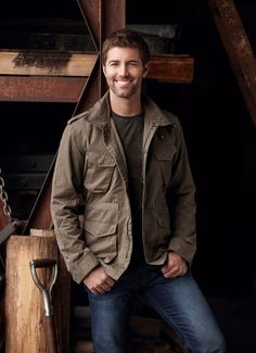 "Josh Turner "" baby lock them doors and turn the lights down low """