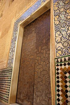 alhambra colours by Hilary McEwan, via Flickr