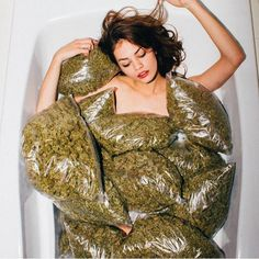 Bath time  every time #420#highlife#weed#bongbeauties#kush#dope by bongbeauties