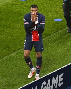 Paris Saint Germain Fc, Soccer Stuff, Football, Running, Sports, Soccer, Hs Sports, Futbol, Keep Running