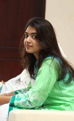 Heroine HD Stills: Nazriya Nazim beautiful photos stills Gallery Cute Girl Photo, Beautiful Girl Photo, Beautiful Girl Indian, Most Beautiful Indian Actress, Beautiful Ladies, Beautiful Bollywood Actress, Beautiful Actresses, Nazriya Nazim, Beauty Full Girl