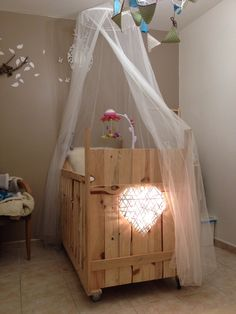 1000 ideas about lit en palette on pinterest pallets - Chambre enfant palette ...