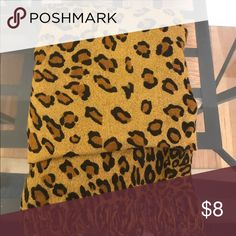 Pashmina scarf Leopard print. Great condition! Accessories Scarves & Wraps