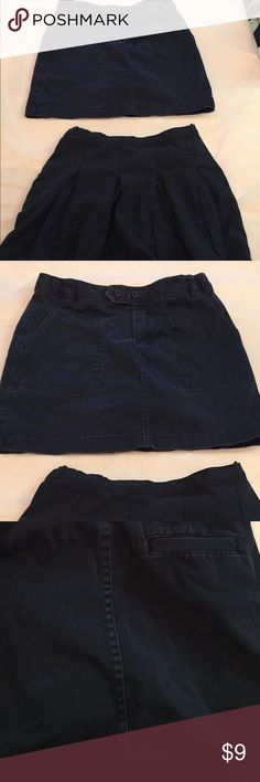 Uniform Skirt Bundle 2 size 10 uniform skirts by Lands' End. Both are faded from washes but have no rips or structural issues. Both are adjustable waist. The pleated skirt does not have interior shorts. Side zipper with bottom close. The chino skirt has shorts and button with zipper front close. Side pockets and rear pockets. I noticed The rear has some minor use discoloration spots as I was searching for stains. Like I mentioned both are faded navy. Usual Lands' End quality. Thanks! Lands'…