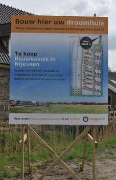 Ontwikkeling van bouwbord voor kavelverkoop in nieuwbouwwijk