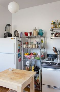 12 Smart Ways to Use Wire Shelves in Your Kitchen Rental Kitchen, Kitchen Cart, Kitchen Storage, Wire Shelving, Wire Shelves, Kitchen Carts, Wire Racks