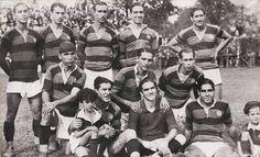 Clube de Regatas do Flamengo, (1932) Esta es una de las últimas formaciones de amateurs del Flamengo, en el año 1932. De pie :Baianinho, Vicentinho, Darci, Nelson y Cassius. Agachados: Rubens, Flavio Costa y Luciano. Sentados Moisés, Fernando y Bibi.