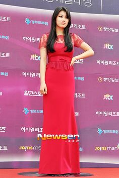 Bae Suzy @ 2013 49th Baeksang Arts Awards » Dramabeans » Deconstructing korean dramas and kpop culture