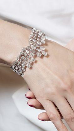 Diamond Bracelets, Diamond Jewelry, Bangle Bracelets, Diamond Earrings, Bangles, Jewelry Accessories, Jewelry Ideas, Diamond Are A Girls Best Friend, Luxury Gifts