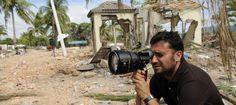 Juan Antonio Bayona en el rodaje de 'Lo imposible'. Juan Antonio Bayona filming 'Lo imposible'