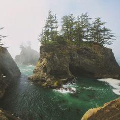 emerald water // ig: @colbyshootspeople