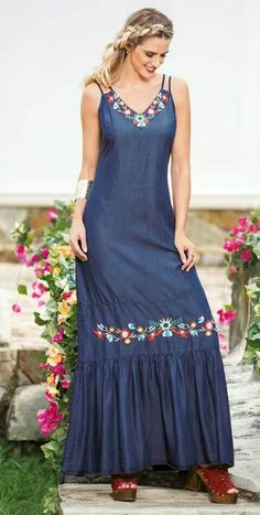 Dress Outfits, Casual Dresses, Fashion Outfits, Summer Dresses, Mode Turban, Denim Maxi Dress, Mode Abaya, Gown Pattern, Kurti Designs Party Wear