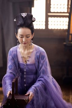 Zhang Ya Zhuo 张雅卓Hai Tang's Rouge Shines Through in the