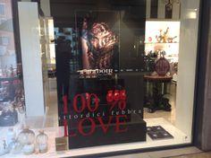 vetrina 100 % love