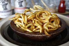 Curly fries are just a twist away! Check out how Dixie Chik Cooks used her OXO Hand-Held Spiralizer to whip up this tasty side dish. Curly Fries, Spiralizer Recipes, Mommy Workout, Hors D'oeuvres, French Fries, Apple Pie, A Food, Side Dishes, Bbq