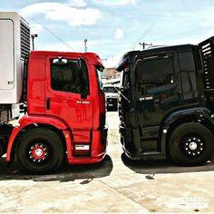 A imagem pode conter: atividades ao ar livre Mercedes Truck, Mercedes Benz, Semi Trucks, Old Trucks, Volkswagen, Truck Design, Diesel Trucks, Heavy Equipment, Volvo