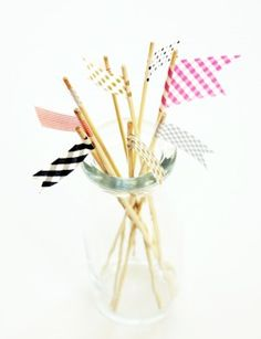 washi tape drink stirrers- I plan on making drink stirrers for the bar at our wedding and these are super cute! And I have purple and green washi tape on hand :-) (wedding colors)
