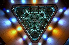 triangular rain cloud - 三角形の雨雲