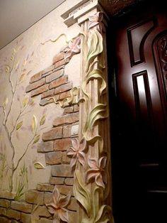 Superficie decorada y pintada utilizando yeso como material de trabajo