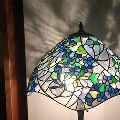 View imasutomoya's Instagram #stainedglass #imasutomoya #colour #flower #original #light #japan #glass #glassart #design #lamp #handmede #ステンドグラス #今須智哉 #ガラス #デザイン #ランプ #ハンドメイド #色 #神戸 #あかり #光 #花 #個展 #日本 #芦屋 #オリジナル #イラスト #デザイン画 1533705831241399111_231564293