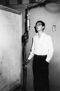 Cool pic of the legend, Buddy Holly...