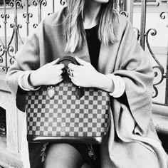 Alma PM Damier Ebene. Louis Vuitton.