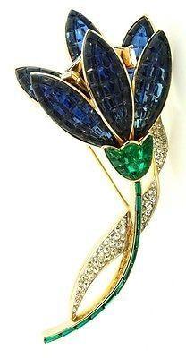 В 1920-е годы, Трифари стал одним из уважаемых и ярких производителей украшений в Соединенных Штатах.