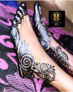 Henna Designs Feet, Finger Henna Designs, Henna Tattoo Designs, Leg Mehndi, Foot Henna, Henna Mehndi, Mehndi Desing, Legs Mehndi Design, Henna Tutorial