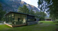 cabin in green landscape Green Landscape, Cabins, Exterior, River, Mansions, House Styles, Home Decor, Home, Modern
