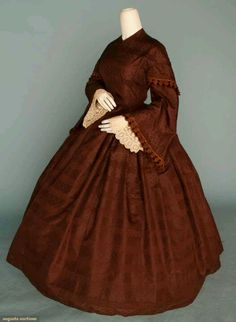 ~Late 1850s to early 1860s dress with pagoda sleeves~
