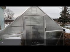 Heating and cooling a small greenhouse