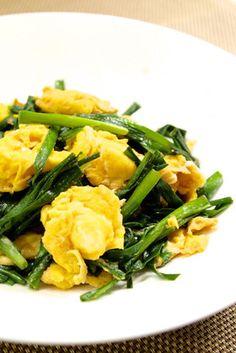 簡単中華♪5分でニラ玉 Seaweed Salad, Green Beans, Vegetables, Cooking, Ethnic Recipes, Food, Kitchen, Essen, Vegetable Recipes