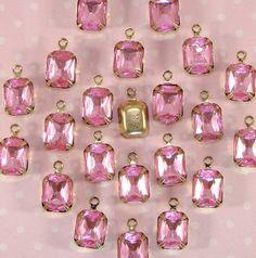 SPARKLING QUALITY PINK ACYRLIC 15mm RHINESTONE Flower Gems x 50 50 FIFTY