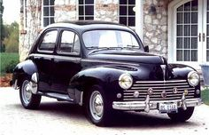 1957 Peugeot Four-Door Sedan Classic 1957 Peugot Mate of mine still has one, sunroof & all. Very stylish! The French have made some lovely cars. American Graffiti, French Classic, Classic Cars, Vintage Cars, Antique Cars, Lanz Bulldog, Peugeot France, Psa Peugeot Citroen, Automobile