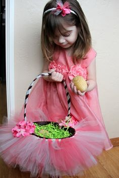 Adventures in all things food: Easter Basket #Craft - A Simple Tutu Basket