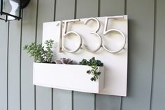 First impressions are lasting, so what better way to welcome guests into your home than with a beautiful succulent address plaque? via DIY Succulents: From Placecards to Wreaths, 35 Ideas fir Creative Projects with Succulents Succulent Planter Diy, Succulents Diy, 1960s Home Decor, Diy Home Decor, Tea Cup Planter, Homemade Bird Houses, Address Plaque, House Numbers, Simple House