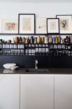 Best Black Kitchen Cabinets of All Time Are Black Kitchens the New White Kitchens?Are Black Kitchens the New White Kitchens? Kitchen Color Palettes, Kitchen Colors, Black Kitchen Cabinets, Black Kitchens, White Cabinets, Modern Kitchens, Kitchen Black, Small Kitchens, Upper Cabinets