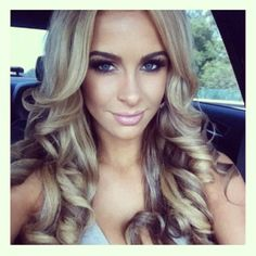 #ShareIG She looks like a blond version of carli bybel