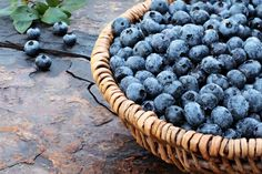 Check out these 11 Superfoods for Weight Loss and start slimming down while you eat!! #healthy