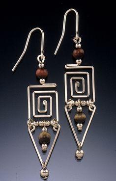 Dazzling Best Collection of Earrings Ideas. Ineffable Best Collection of Earrings Ideas. Wire Jewelry Designs, Handmade Wire Jewelry, Copper Jewelry, Jewelry Crafts, Earrings Handmade, Beaded Jewelry, Bijoux Fil Aluminium, Wire Wrapped Earrings, Wire Earrings