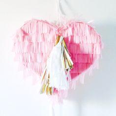 Piñata Corazón de venta en http://shop.fiestascoquetas.com