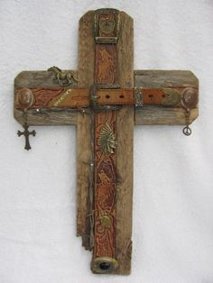 Recycled wood cross, Old leather belt or spur straps, handcrafted western cross OOAK cedar wood X 16 Western Crafts, Western Decor, Rustic Decor, Western Wall, Western Style, Wooden Crosses, Wall Crosses, Crosses Decor, Old Rugged Cross
