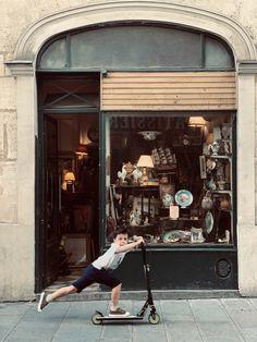 🇬🇧 Strangely enough, looking at such pictures helps Peter cope with lockdown. It's important to keep in mind that what was once possible will be again !   🇫🇷 Curieusement, le fait de regarder ce genre d'images aide Peter à supporter le confinement. C'est important de leur rappeler qu'ils pourront bientôt renouer avec leurs activités favorites. #paris #antiqueshops #antiques #kids #mumlife #maman #seemyparis #mylittleparis #parisfrance #parisian #momlife #digitalmum Paris France, Genre, Antique Shops, Parisian, Antiques, Shopping, Instagram, Antiquities, Antique Stores