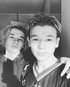 "Marcus & Martinus ♪ on Instagram: ""Hope all of you have had a great weekend! So excited to go out and travel again and have concerts soon😍 Where are you coming or where do…"""