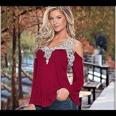 Beautiful Cold shoulder lace top Lovely top. Would look great with jeans. Tops