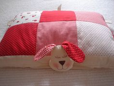 TRAVESSEIRO by Coisas da Kél ( Kélcia Seidel), via Flickr, would be a great idea as a christmas gift, looks so cute, love it...