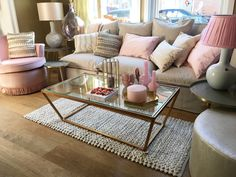 Boudoir feeling with pink and gold!