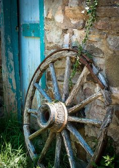 Country Blue - wagon wheel & old stone barn