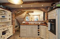 Majitelka navrhla kuchyni tak, aby byla hezká, praktická a skladná. Obdobné sestavy na přání vyjdou kolem 32 600 Kč/m2.